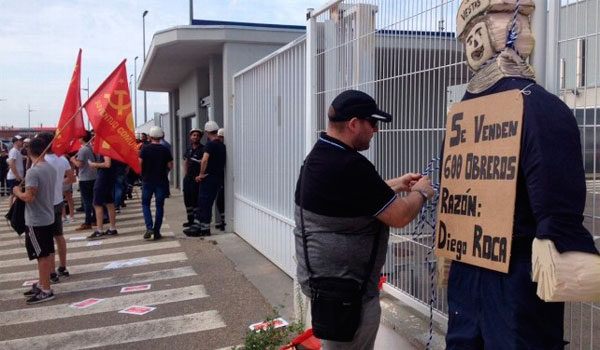 Varios trabajadores de vestas se encierran en la oficina for Oficina de empleo leon