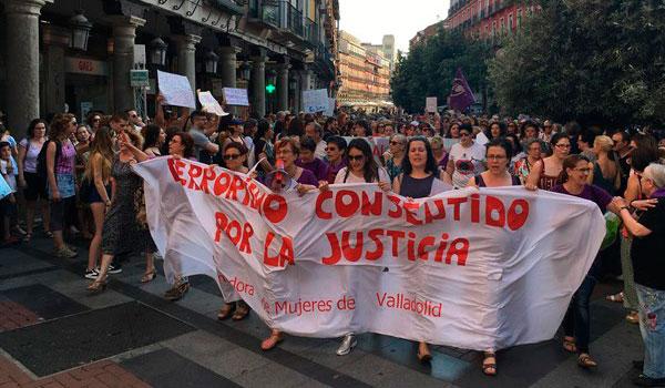 Clamor contra la libertad de 'La Manada' y unas leyes que 'dejan mucho que desear'