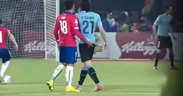 Director técnico del Mainz consideró intolerable agresión de Jara a Cavani