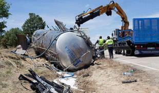Tres fallecidos al colisionar un turismo y un camión en Zamora