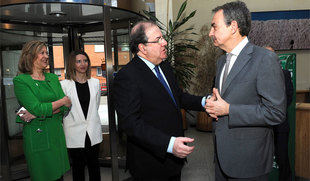Zapatero alienta la creación de un sistema de inclusión social liderado por las comunidades autónomas