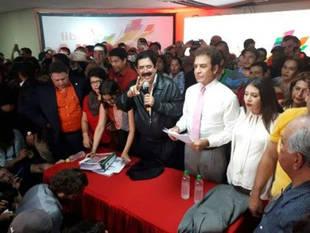 """Partido de Manuel Zelaya convoca a un paro en Honduras por """"fraude"""" en comicios"""