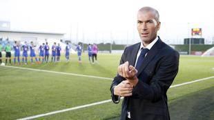 Zidane habría aceptado el puesto de entrenador del Real Madrid